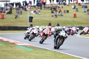 Sensational wins for the all-new Fireblade at Snetterton